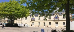 Place de la Mairie mai 2020